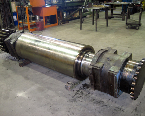 Rubber mill roll - rebuilt bearing areas