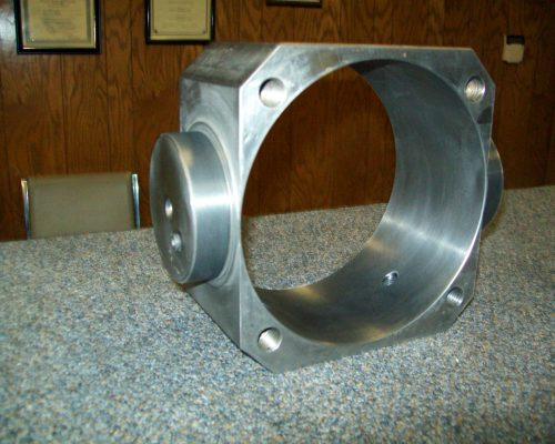 Cans 32-(lids) trunion block, rebuilt main bore & bearing area with metallic coataing